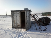 Промышленный холодильник для хранения мясной продукции.